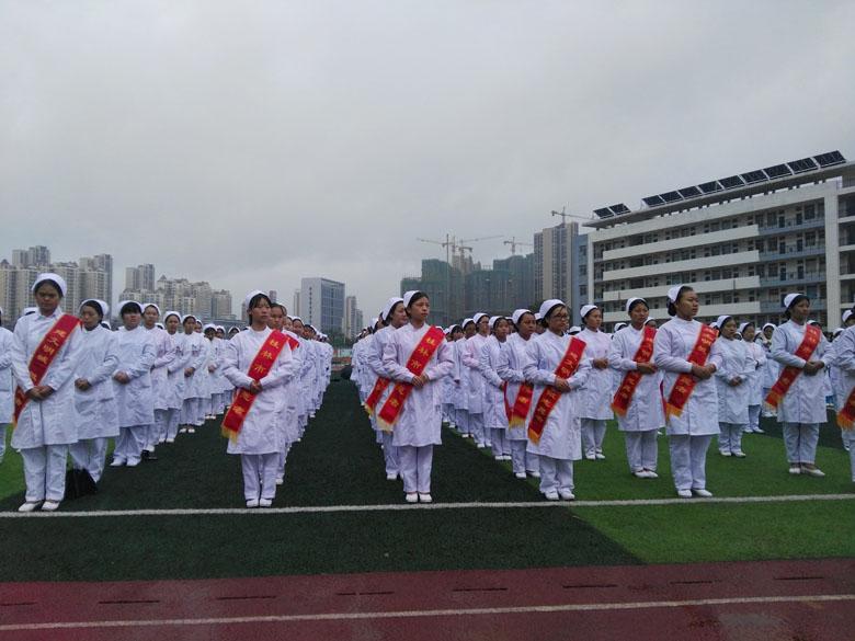 青年志愿者服务队2-桂林市 文明城市我参与 志愿服务进社区 启动仪式
